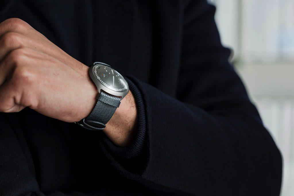 mechaniniai-laikrodžiai-ressence