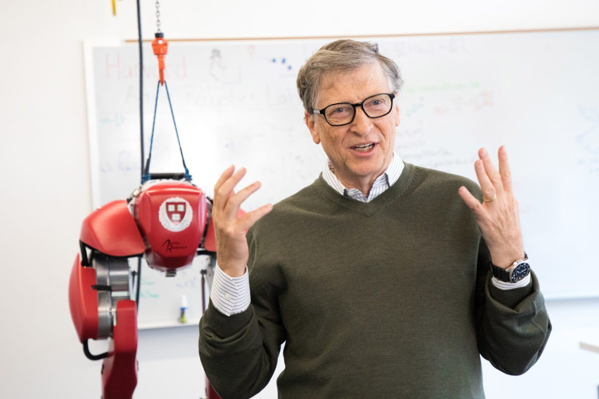 STW-Bill-Gates-Casio-Diver-2-1200x800