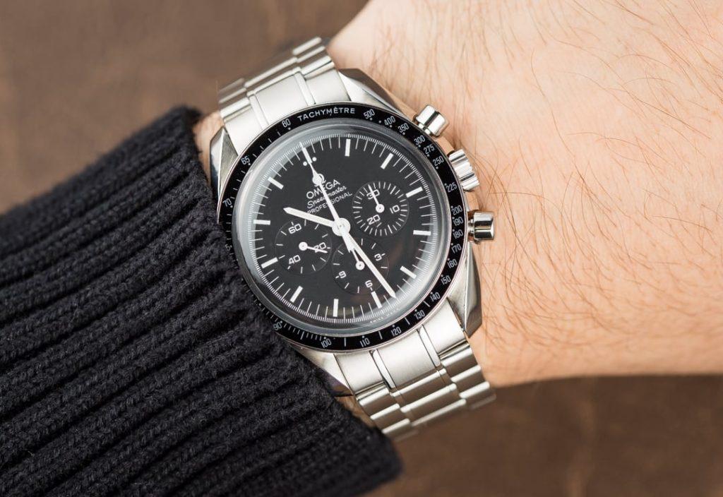 omega-speedmaster-chronografas-laikrodis